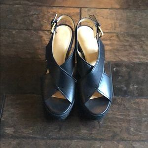 BNW Micheal Kors shoes in black💕
